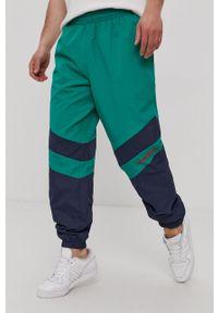HUF - Spodnie. Kolor: zielony. Materiał: tkanina
