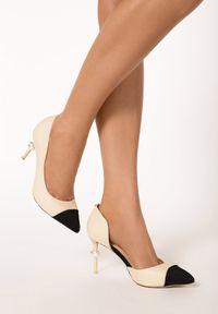 Born2be - Beżowe Szpilki White Pearl. Nosek buta: szpiczasty. Zapięcie: bez zapięcia. Kolor: beżowy. Materiał: materiał, prążkowany. Wzór: gładki, aplikacja. Obcas: na szpilce. Styl: wizytowy. Wysokość obcasa: średni
