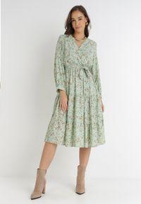 Born2be - Miętowa Sukienka Rhaenophe. Kolor: miętowy. Materiał: tkanina, materiał, guma. Długość rękawa: długi rękaw. Typ sukienki: kopertowe. Długość: maxi