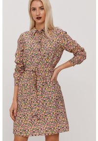 Vero Moda - Sukienka. Kolor: różowy. Materiał: tkanina. Długość rękawa: długi rękaw. Typ sukienki: rozkloszowane