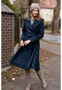 Marie Zélie - Płaszcz Achillea granatowo-zielona krata – wełna Harris Tweed®. Kolor: niebieski, zielony, wielokolorowy. Materiał: wełna. Wzór: ze splotem