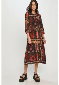 Desigual - Sukienka. Materiał: tkanina. Typ sukienki: rozkloszowane