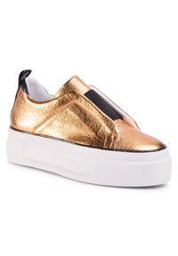 Złote buty sportowe Togoshi na koturnie, na średnim obcasie