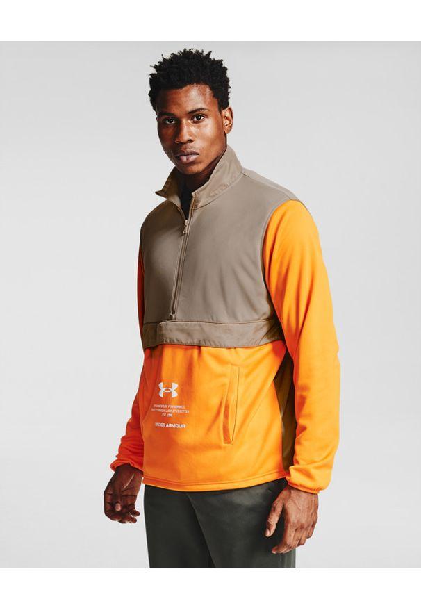Pomarańczowa bluza Under Armour z dekoltem woda, w kolorowe wzory, długa, sportowa