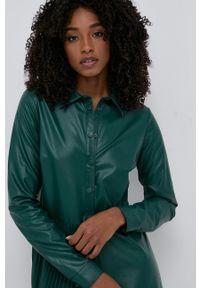 TwinSet - Twinset - Sukienka. Kolor: zielony. Materiał: materiał. Długość rękawa: długi rękaw. Typ sukienki: plisowane, rozkloszowane