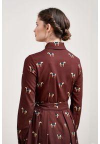 Marie Zélie - Sukienka Leandra Cavalos bordo. Typ kołnierza: kokarda. Materiał: tkanina, bawełna, wiskoza, materiał. Długość rękawa: długi rękaw