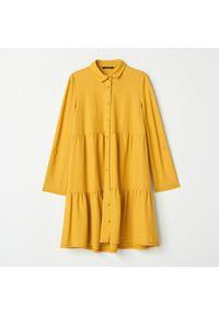 Żółta sukienka Mohito koszulowa, z koszulowym kołnierzykiem