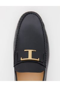 TOD'S - Czarne skórzane mokasyny. Nosek buta: okrągły. Kolor: czarny. Materiał: skóra. Wzór: aplikacja #3