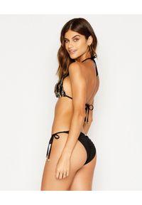 BEACH BUNNY - Top od bikini Shiloh. Kolor: czarny. Materiał: materiał. Wzór: aplikacja