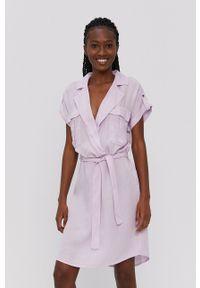 Noisy may - Noisy May - Sukienka. Kolor: fioletowy. Materiał: tkanina, jedwab, materiał, lyocell. Długość rękawa: krótki rękaw. Wzór: gładki. Typ sukienki: rozkloszowane