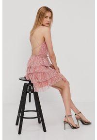 Nissa - NISSA - Sukienka. Kolor: różowy. Materiał: tkanina