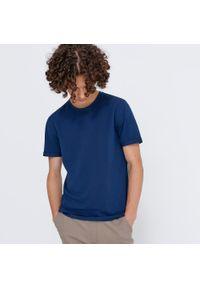 House - Melanżowa koszulka basic - Granatowy. Kolor: niebieski. Wzór: melanż