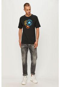 Czarny t-shirt Converse casualowy, z nadrukiem, z okrągłym kołnierzem