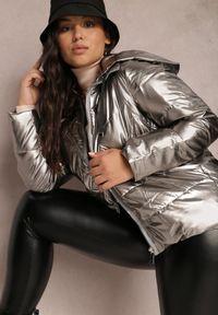 Renee - Srebrna Kurtka Alcike. Kolor: srebrny. Materiał: tkanina. Wzór: geometria, aplikacja