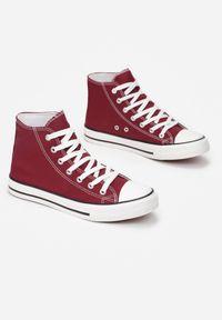 Born2be - Bordowe Trampki Nonagina. Nosek buta: okrągły. Zapięcie: sznurówki. Kolor: czerwony. Szerokość cholewki: normalna. Wzór: aplikacja. Wysokość cholewki: za kostkę. Materiał: jeans, materiał, guma. Obcas: na płaskiej podeszwie. Styl: klasyczny