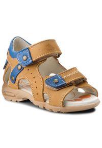 Brązowe sandały RenBut na lato