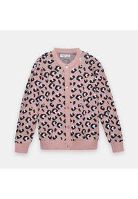 Różowy sweter Sinsay z motywem zwierzęcym