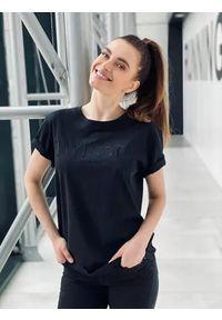 TwinSet - T-shirt z krótkim rękawem i haftowanym logo Twinset. Kolor: czarny. Materiał: bawełna. Długość rękawa: krótki rękaw. Długość: krótkie. Wzór: haft