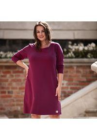 Czerwona sukienka dla puszystych Moda Size Plus Iwanek na imprezę, z długim rękawem, elegancka