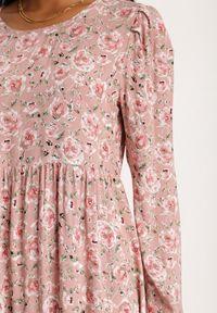 Renee - Różowa Sukienka Sheirea. Okazja: na co dzień. Kolor: różowy. Wzór: kwiaty, aplikacja, nadruk. Typ sukienki: proste. Styl: elegancki, casual. Długość: midi