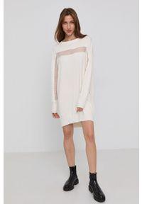 TwinSet - Twinset - Sukienka. Okazja: na co dzień. Kolor: beżowy. Materiał: dzianina, koronka. Długość rękawa: długi rękaw. Wzór: gładki. Typ sukienki: proste. Styl: casual