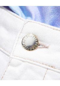 RETROFETE - Białe szorty Tessa. Stan: podwyższony. Kolor: biały. Materiał: jeans, koronka, bawełna. Wzór: koronka. Sezon: lato. Styl: elegancki