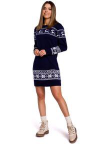 MOE - Granatowa Prosta Swetrowa Sukienka ze Świątecznym Motywem. Kolor: niebieski. Materiał: akryl. Typ sukienki: proste. Styl: wizytowy