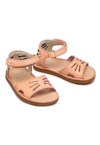 Różowe sandały Camper