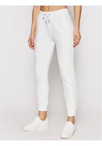 Białe spodnie dresowe Calvin Klein Jeans
