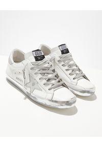 GOLDEN GOOSE - Białe sneakersy ze srebrną gwiazdą Superstar. Kolor: szary. Materiał: guma. Wzór: aplikacja