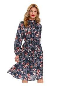 TOP SECRET - Sukienka z kwiatowym nadrukiem. Okazja: na co dzień. Kolor: czarny. Wzór: kwiaty, nadruk. Sezon: wiosna. Typ sukienki: proste. Styl: casual. Długość: midi