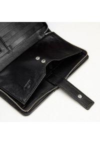 Wittchen - Damski portfel skórzany z kieszenią na telefon. Kolor: czarny. Materiał: skóra