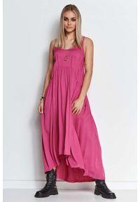 Makadamia - Długa Asymetryczna Sukienka na Ramiączkach - Amarantowa. Kolor: różowy. Materiał: elastan, bawełna. Długość rękawa: na ramiączkach. Typ sukienki: asymetryczne. Długość: maxi