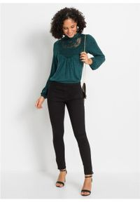 Shirt z długim rękawem z nadrukiem i koronką bonprix niebieskozielony - czarny w kropki. Kolor: niebieski. Materiał: koronka. Długość rękawa: długi rękaw. Długość: długie. Wzór: nadruk, kropki, koronka