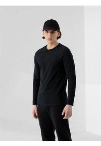 Czarna koszulka z długim rękawem 4f z haftami