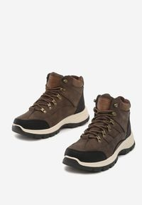 Brązowe buty trekkingowe Born2be