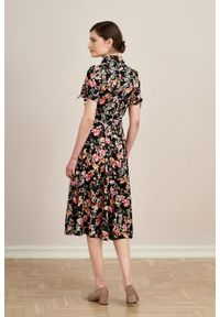 Marie Zélie - Sukienka Ariana Dianthus. Materiał: bawełna, wiskoza, skóra, materiał. Długość rękawa: krótki rękaw. Typ sukienki: szmizjerki, trapezowe