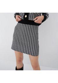 Mohito - Spódnica mini w pepitkę - Czarny. Kolor: czarny