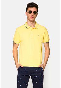 Lancerto - Koszulka Żółta Polo Dominic. Typ kołnierza: polo. Kolor: żółty. Materiał: włókno, materiał, bawełna. Długość rękawa: krótki rękaw. Wzór: ze splotem. Styl: klasyczny