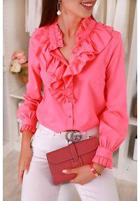 Różowa bluzka IVET w kolorowe wzory, z falbankami, elegancka
