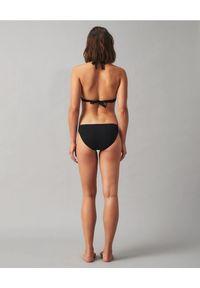 Tory Burch - TORY BURCH - Czarny dół od bikini Miller Hipster. Kolor: czarny. Materiał: materiał, tkanina. Długość: długie