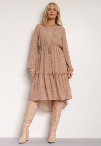 Renee - Beżowa Sukienka Hellynome. Kolor: beżowy. Materiał: tkanina. Typ sukienki: asymetryczne. Długość: midi