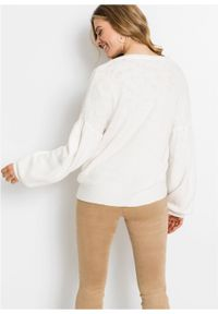 Sweter rozpinany z rękawami balonowymi bonprix biel wełny. Kolor: biały. Materiał: wełna