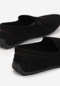 Born2be - Czarne Mokasyny Krynyla. Nosek buta: okrągły. Zapięcie: bez zapięcia. Kolor: czarny. Szerokość cholewki: normalna. Wzór: gładki. Wysokość cholewki: przed kostkę. Sezon: lato. Obcas: na płaskiej podeszwie. Styl: elegancki