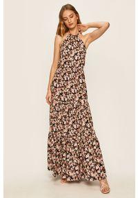 Wielokolorowa sukienka Answear Lab wakacyjna, z dekoltem halter, w kwiaty, rozkloszowana