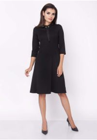 Czarna sukienka Nommo z kokardą, wizytowa