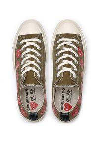 COMME DES GARCONS PLAY - Trampki khaki z sercami. Okazja: na co dzień. Kolor: zielony. Materiał: guma, jeans, materiał. Styl: klasyczny, elegancki, casual #3