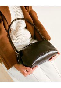 BALAGAN - Ciemnobrązowa torebka Hug Bag L. Kolor: brązowy. Styl: vintage, wizytowy, klasyczny, casual, retro. Rodzaj torebki: na ramię