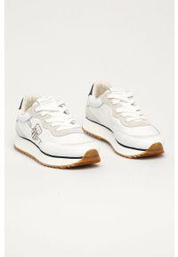 Białe sneakersy GANT z cholewką, na niskim obcasie