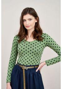 Marie Zélie - Bluzka Inzolia zieleń wiosenna w kropki. Materiał: elastan, materiał, skóra, dzianina, bawełna. Długość rękawa: długi rękaw. Długość: długie. Wzór: kropki. Sezon: wiosna